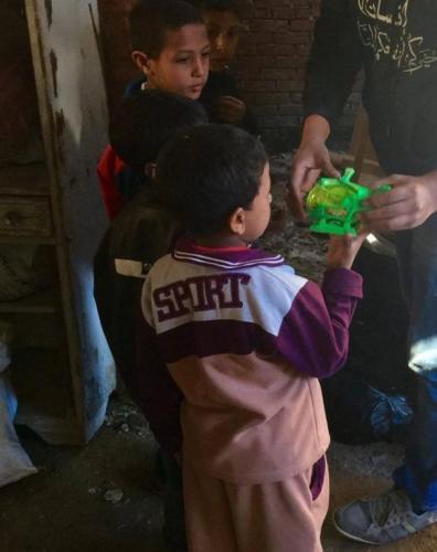 توزيع لعب أطفال - بني سويف - فبراير 2016